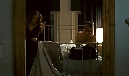 आदमी मेहनती है, जो एक फुल सेक्सी एचडी वीडियो फिल्म लड़की के साथ यौन संबंध है ।