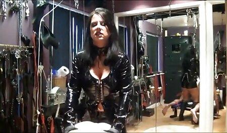 फिर मैंने उसकी ब्रा और पेंटी को हिंदी मूवी फुल एचडी बीएफ उतार दिया और उसकी चूत को चाटने लगा ।
