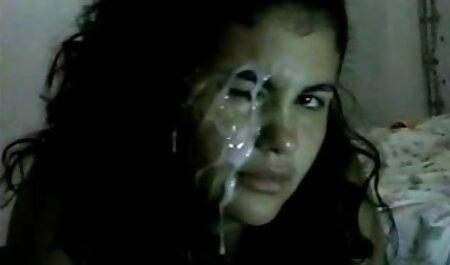 स्टूडियो में सेक्सी मूवी हिंदी में फुल एचडी dildo के साथ.