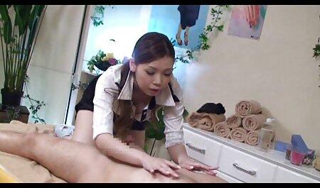 फिटोनाशी फुल एचडी में सेक्सी फिल्म समूह में भाग लेते हैं ।