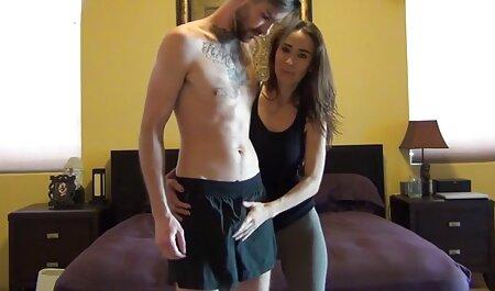 वह एक काले आदमी के साथ प्यार सेक्सी मूवी हिंदी में फुल एचडी करता है.