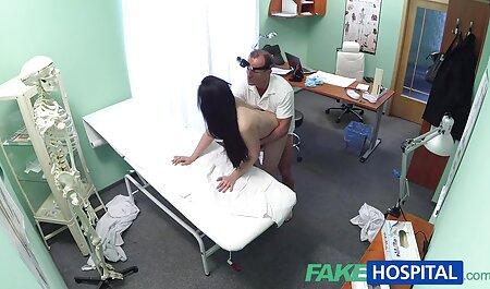 बेडरूम में एक कामुक प्राप्त सेक्सी वीडियो फुल मूवी एचडी हिंदी किया ।
