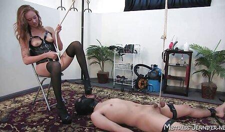 सुनहरे बालों वाली यौन अनुभव के इंग्लिश सेक्सी वीडियो एचडी फुल मूवी प्रभारी लेता है ।
